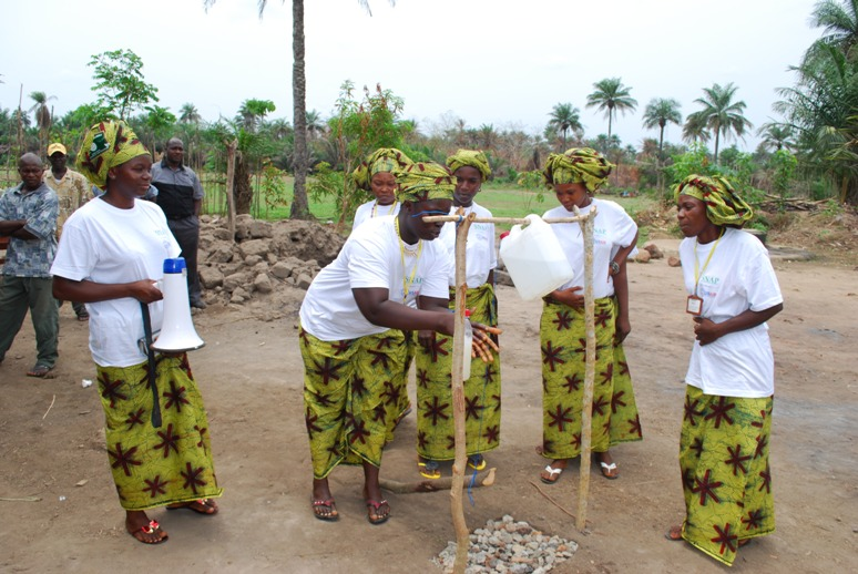 Demonstration by lead community mothers of handwashing a health intervention integral to USAID's nutrition interventions in Sierra Leone (2)