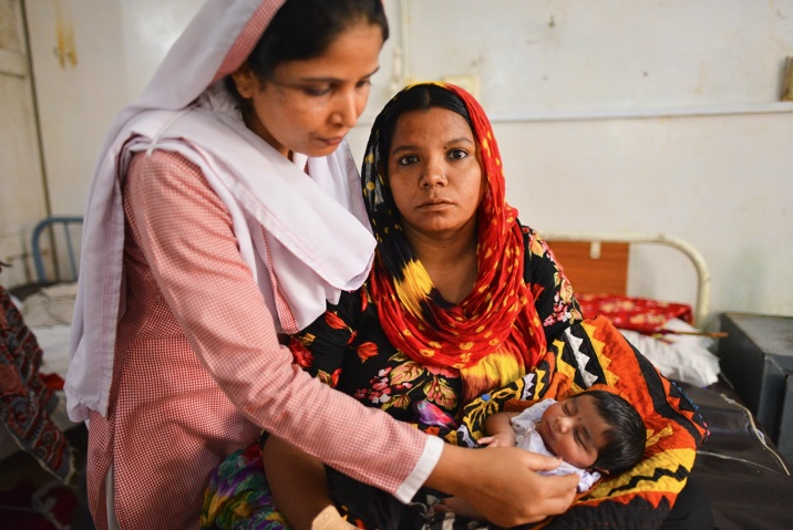 Photo by MNCH Services Project Pakistan Initiation of family planning immediately after birth is both efficient for health systems and easier for women since few women in low-resource settings are able to return to a facility for further care.